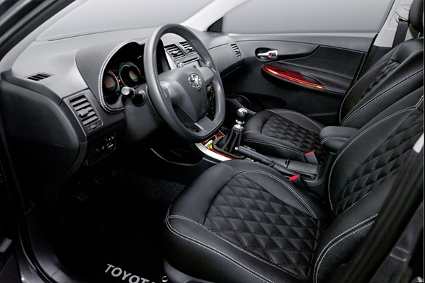 Перетяжка салона кожей в автомобиле